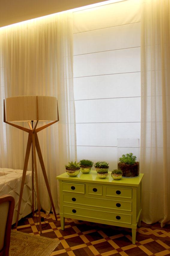 Sofisticação e leveza na combinação de cortinas