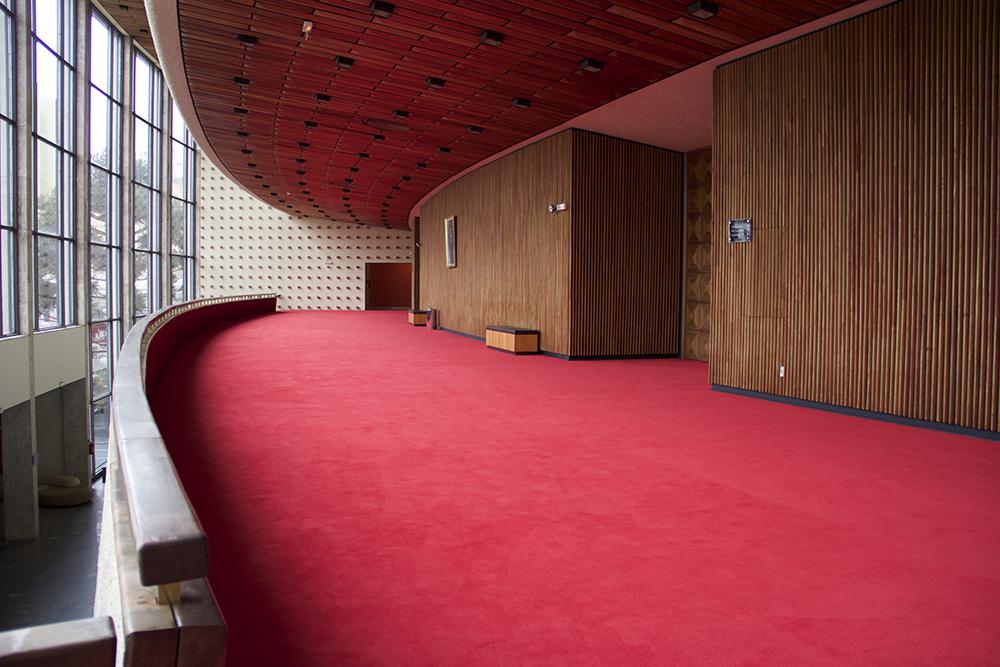 Teatro de Curitiba é restaurado e recebe carpetes Beaulieu