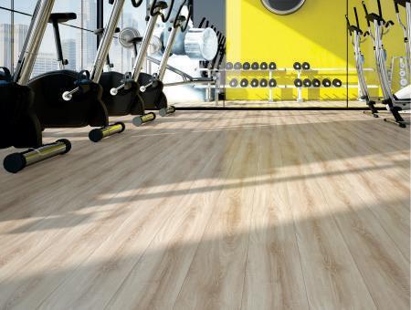 Carpete ou piso laminado para academia?