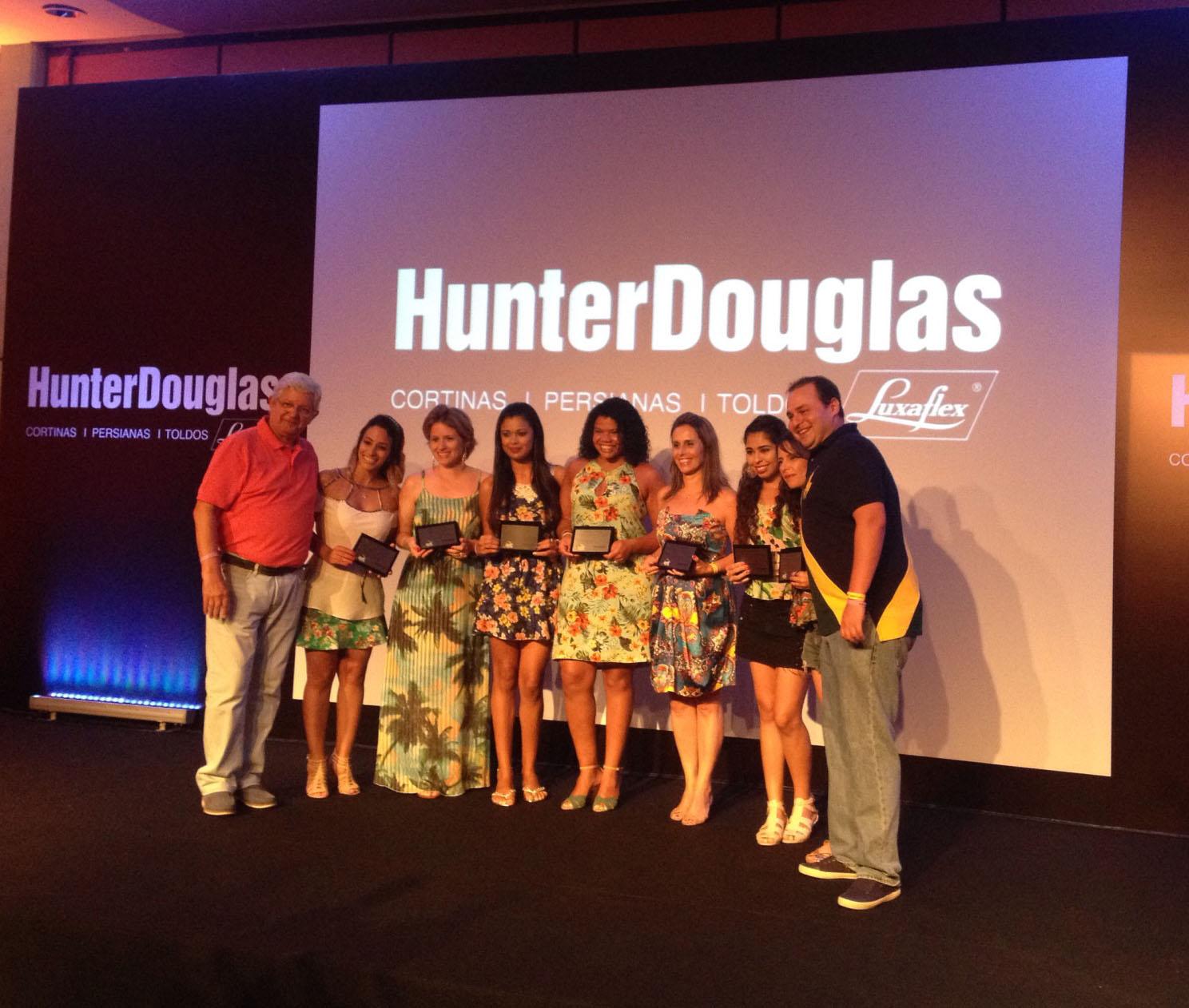 Consultoras do Ateliê recebem prêmio Campeão de Vendas da Hunter Douglas