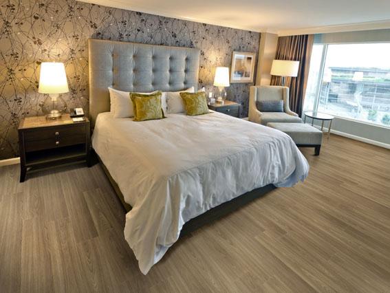 5 dicas de piso vinílico para um quarto mais elegante