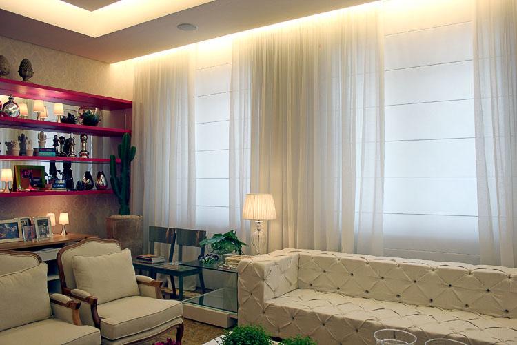 Cortinas e persianas juntas na decoração