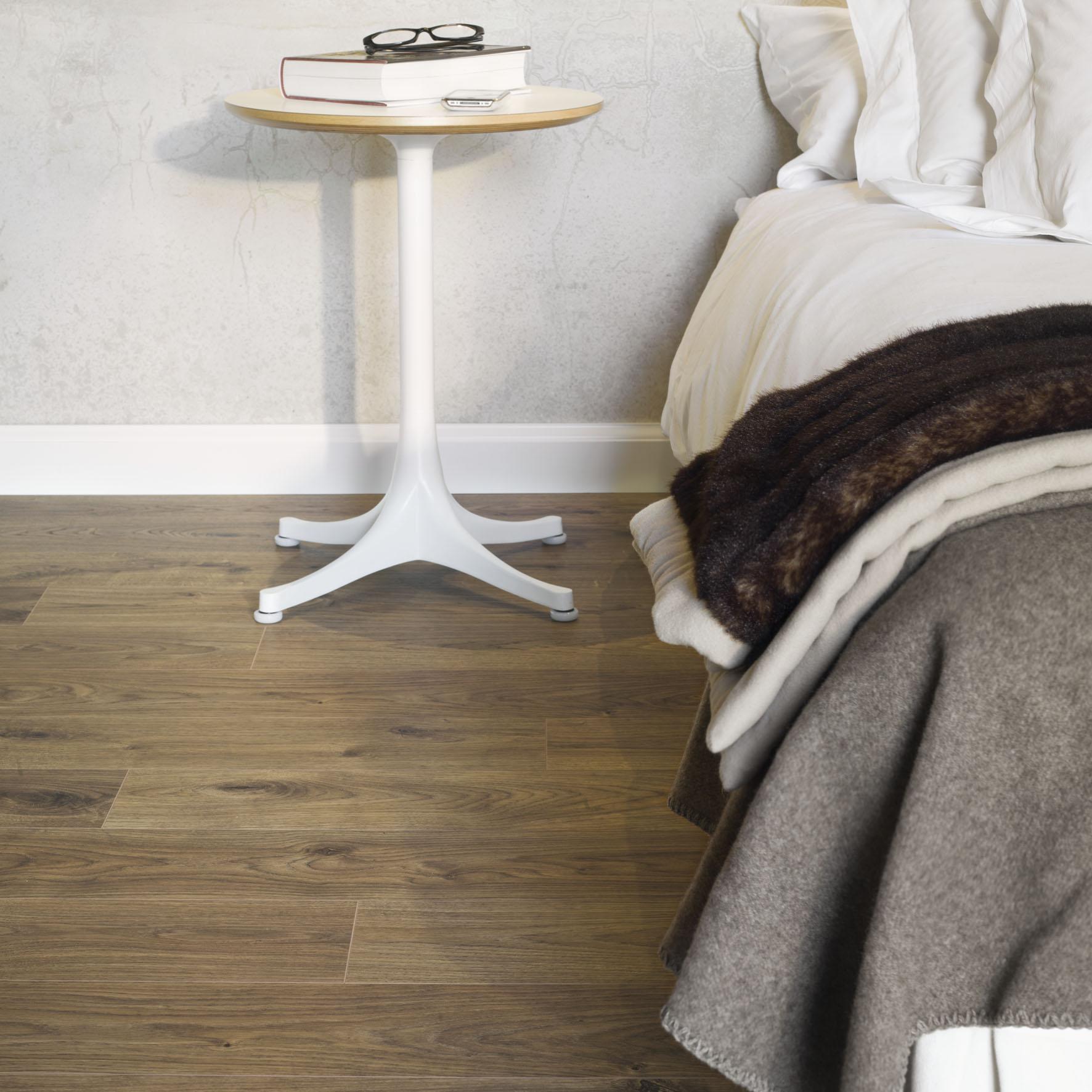 7 ideias de quartos aconchegantes com piso laminado