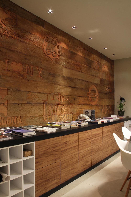 Ideias para revestir as paredes com madeira de forma sustentável