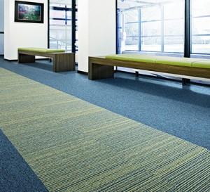 Essence Stripe Linha Desso – Carpete em Placas – Tarkett