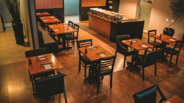Piso laminado importado para restaurante de Presidente Prudente